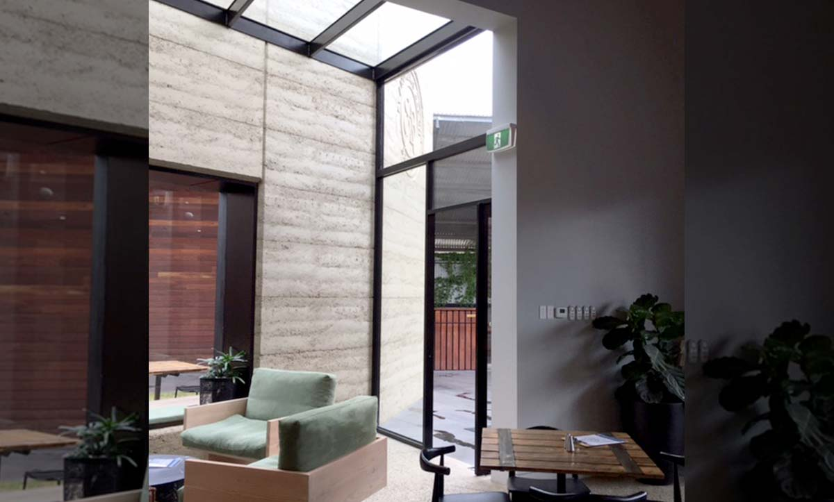 Frameless Glass Door Image